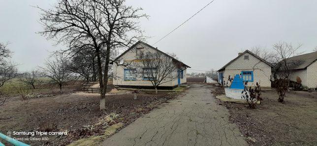 Дом в Покровском р-н. с.Романки.
