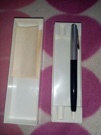 Продам ручку перо заправляется чернилом, чернильная ручка времён СССР