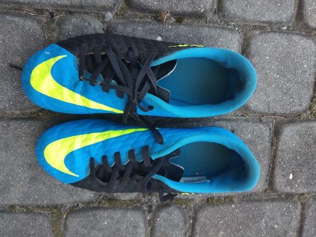Korki Nike 37,5 Wkladka 23,5 cm jak nowe