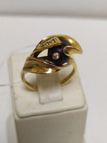 Продам оригинальное кольцо с редким камнем и с 5 бриллиантами !