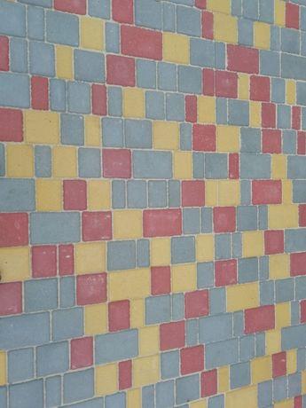 Укладка тротуарної плитки Бушево