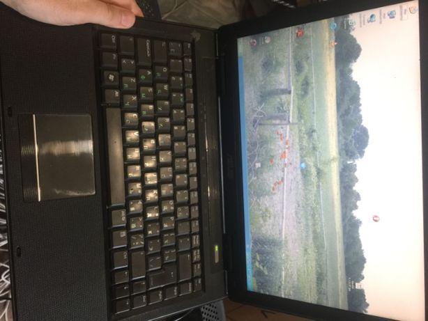 дешевый рабочий двухядерный ноутбук Asus A8J