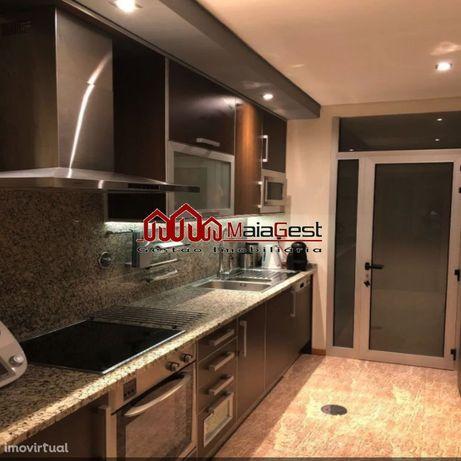 Apartamento T2 como novo com box | Maiagest