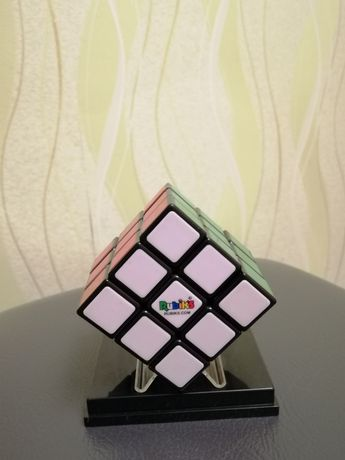 Продам оригинал Rubiks