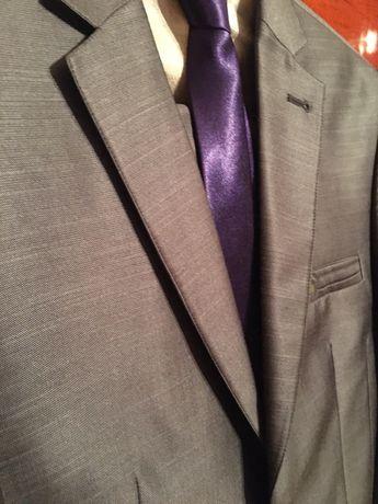 Чоловічий костюм Diego Balotelli сорочка та краватка.