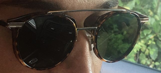 Óculos de sol de marca Hawkers
