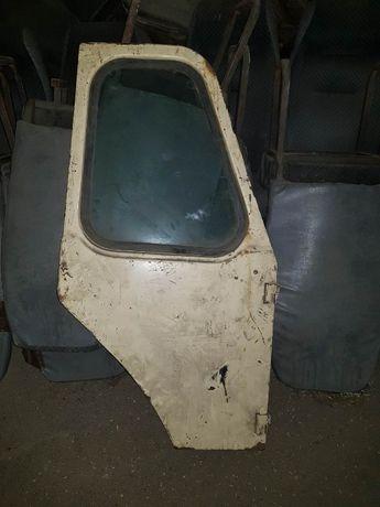 Продам правую дверь трактора ЮМЗ