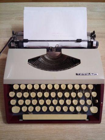 Немецкая печатная машинка Adler Tippa S 1968 г.