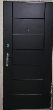 Продам входную дверь