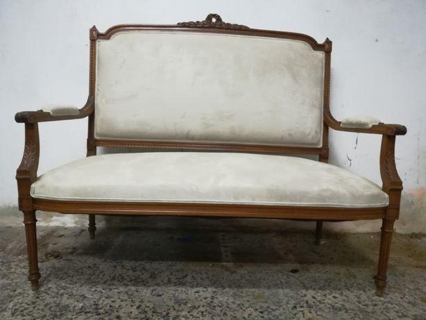 Canapé em madeira