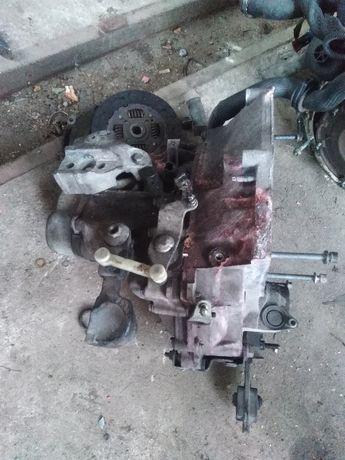 Silnik oraz skrzynia biegów peugeot 207, 2011r uszkodzony