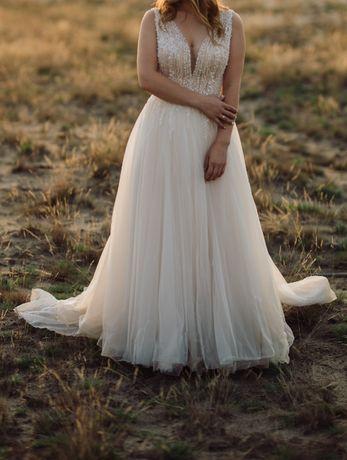 Suknia ślubna Estera model Megan z trenem