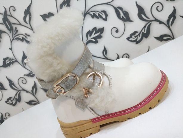 Чобітки чоботи сапожки 22 розмір шкіра