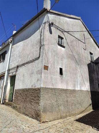 Moradia V0 no centro Capinha Fundão