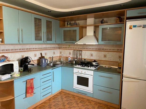 Продается просторная 3 комнатная квартира с ремонтом в элитном доме