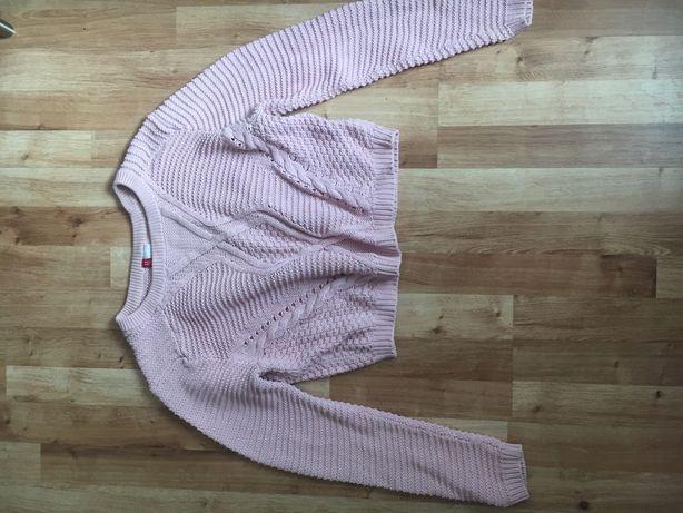 Sweter, delikatnie różowy