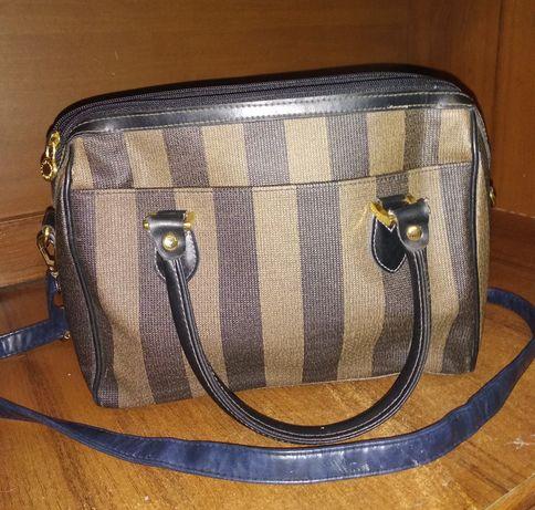 Продам сумку/сумочку в очень хорошем состояни