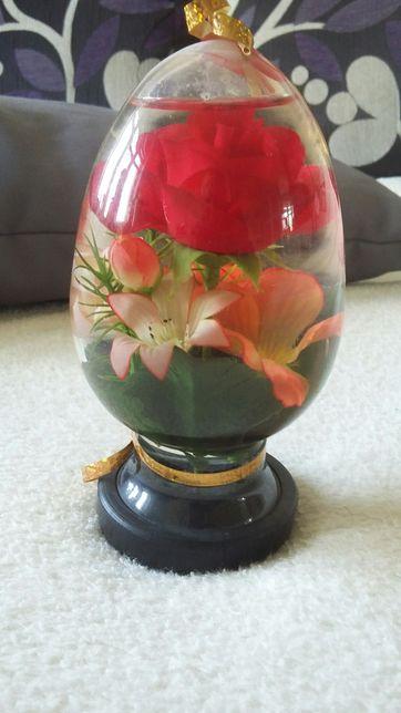 Kwiaty w kuli z prl-u