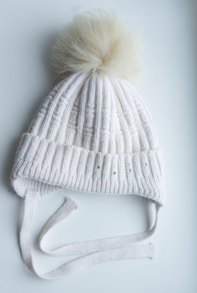 Продам детскую зимнюю белую шапку с натуральным мехом. 50р. Умань - изображение 1