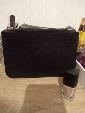 Kosmetyczka/portmonetka lakier do paznokci