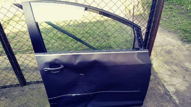 VW Golf Plus V 2006 r. szyba boczna przód drzwi prawe