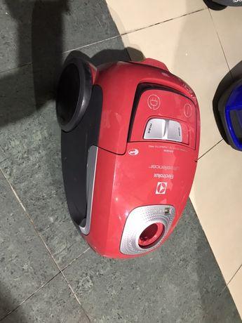 Пылесос Electrolux EUS8X2RR