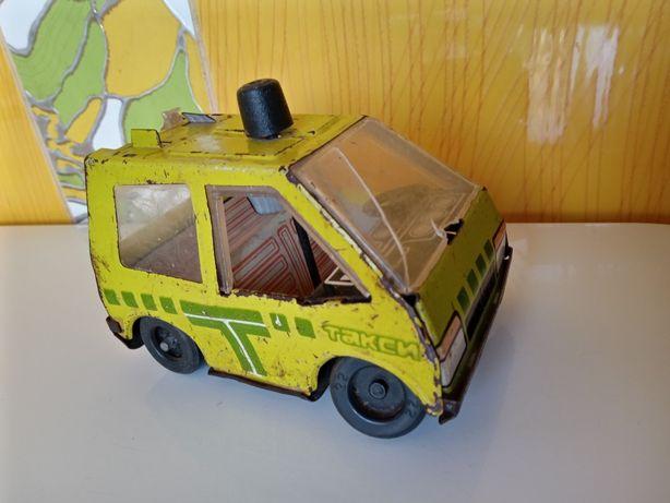 Игрушка железная СССР , такси , с поворотными колесами