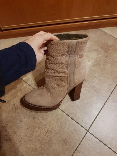 Buty ocieplane Zara kozaki na słupku rozmiar 40