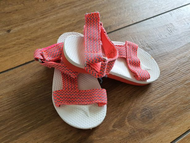 Sandałki Zara rozmiar 22