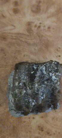 Продам камень минерал
