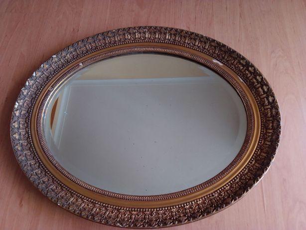 Espelho antigo em dourado