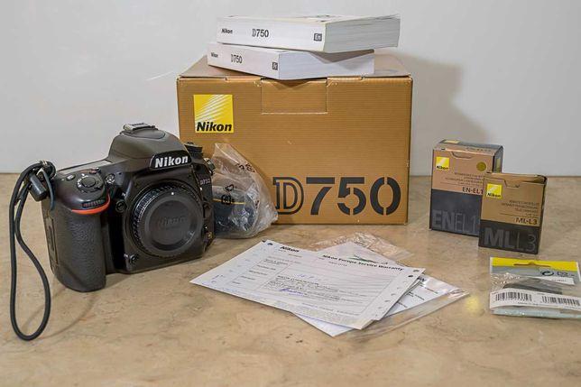 Nikon  D750 (DSRL)