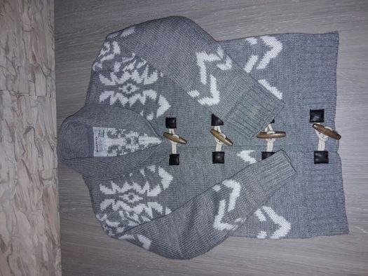 Chłopięcy sweterek