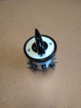 Łącznik warstwowy 25A 380 V