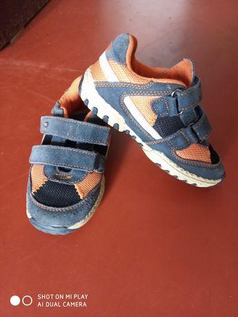 Детские кроссовки B&G