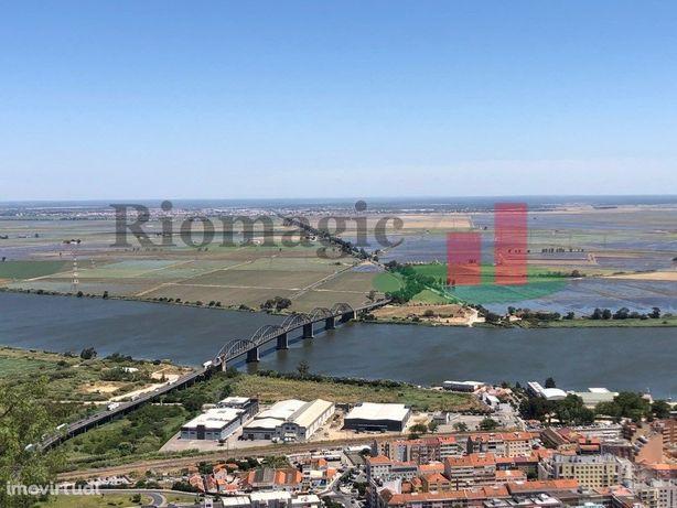 Lote Terreno - Prédio em Vila Franca de Xira vista Rio Tejo