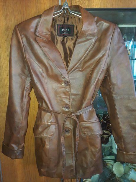 Жіноча шкіряна куртка піджак