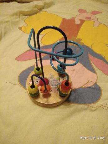 Розвиваюча іграшка для розвитку дрібної моторики рук