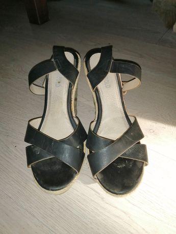 Sandałki damskie używane