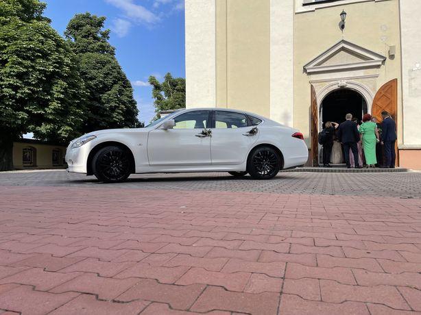 Auto do ślubu, INFINITI