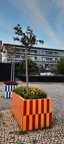 T2 mobilado, com terraço privativo e estacionamento no Parque das Naçõ
