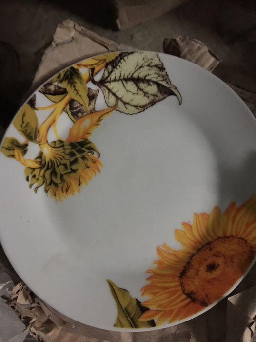 Тарелки мелкие  с подсолнухами новые Николаев - изображение 1