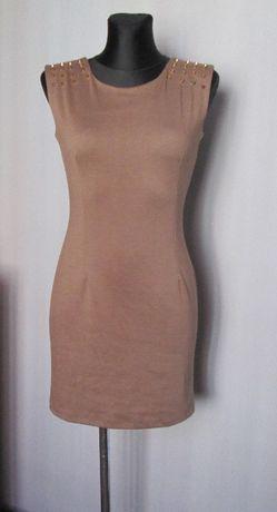 Cudna sukienka jasny brąz z ćwiekami dekolt na plecach r. S/M