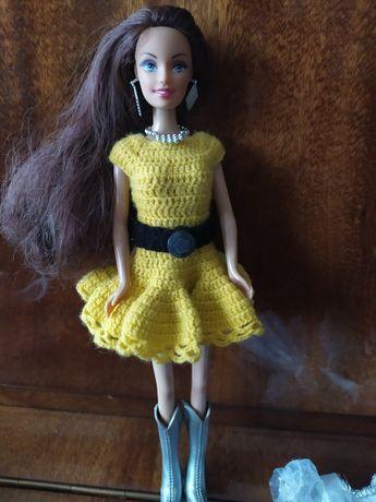 Барби с нарядом.