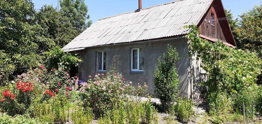 Продам дом с участком центр полдома гараж земля Новоград-Волинський - зображення 1