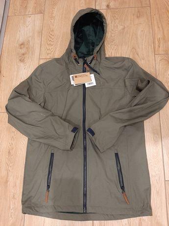 Nowa kurtka z metką firmy Mountain Warehouse