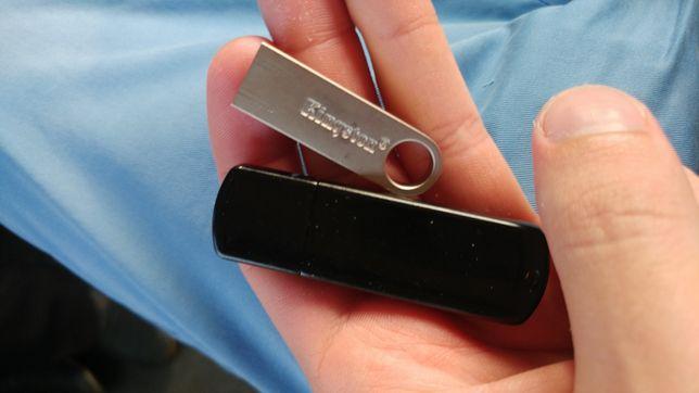 Trenscend 32GB и Kingston 16GB
