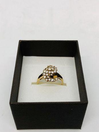 PIĘKNY pierścionek złoty z cyrkoniami pr.588 14K / waga: 3,52 gram