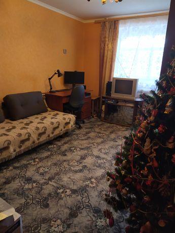 1 квартира с ремонтом, в кирпичном доме .