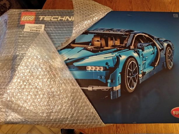 Zestaw LEGO Technic - Bugatti Chiron 42083